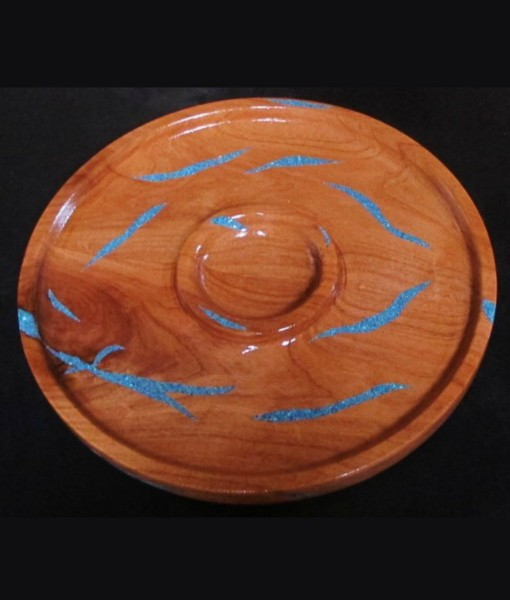 wood chip and dip platter with inlaid turquoise