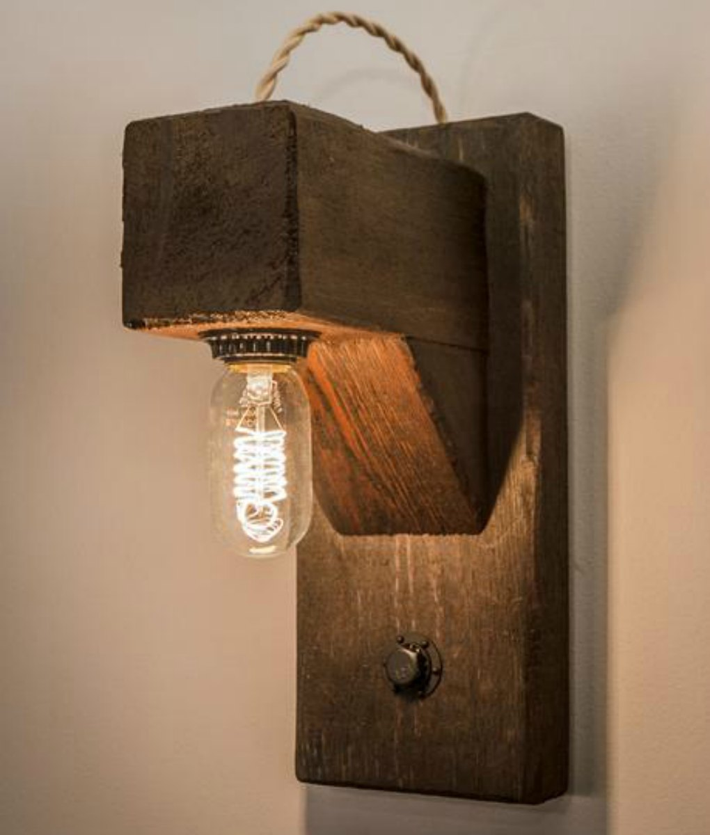 Wood beam wall sconce with Edison bulb
